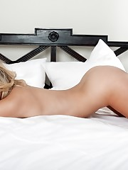 Julia Crown Naked