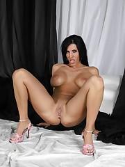 Veronica Rayne gets her vagina slammed..