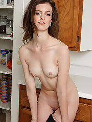 ATK Galleria - ANNA bare naked amateur..