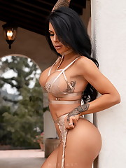 Instagram girl Savanna Rehm -..