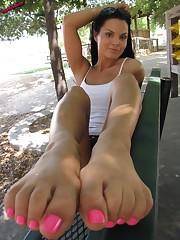 Wu's Feet Fastens - Cherry Rosy Feet
