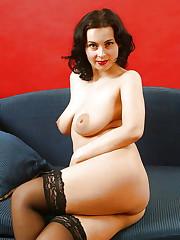 Curvy MILF Annie - Pics - xHamster
