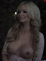 Mindy Robinson from The Chasing of..