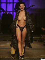 Alejandra Guilmant seins nus la Style..