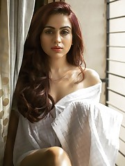 Beautiful Indian Girl Aksha Pardasany..
