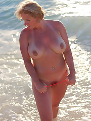 Topless bikini beach matures..