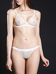 Airplay String Bikini in Vanilla..