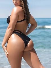 International model Nikki Du Plessis..
