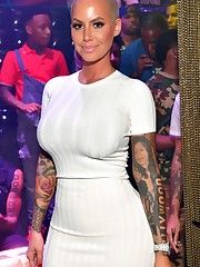 Amber Rose defends her son to online..