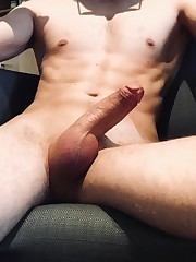 M21 FRENCH WITH Six pack WANNA HAVE FUN..