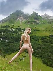 """Sexy Mountain Girl (10).jpg """".."""