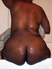 Naked black-skinned mature women,..