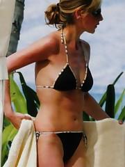Sarah Michelle Gellar bare nude..