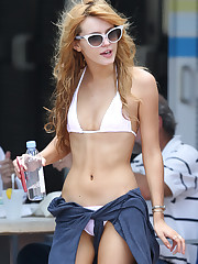 Photo: Bella Thorne - Bella Thorne08.JPG