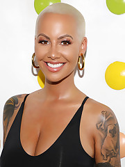 Amber Rose is getting a titty reduction..