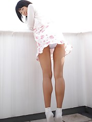 Tall chinese cutie Aimi Nisijima opens..