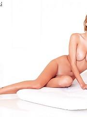 Yvonne Strahovski Nude Porn Faux Images..