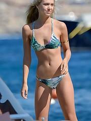 Alexis Ren - Bikini Candids in Mykonos..