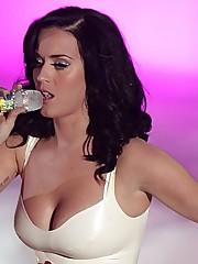 Katy Perry et sa bonne grosse paire de..