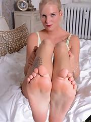 Miss Brianas Feet - Fetishtainment