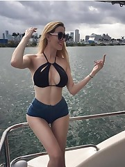 Amber Hayes, Diosa de Instagram -!..