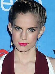 Anna Chlumsky - Profile Images - The..