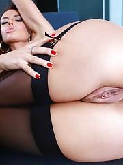 Brunette Senorita With Juicy Ass - Hot..