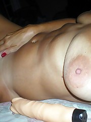Fingers old pussy. Mature cougar..