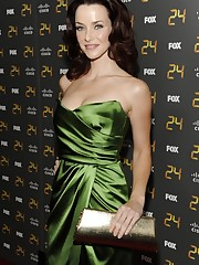 HQ PIXZ: Annie Wersching Hot Cleavage..