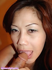 Chinny a sexy honry Asian cougar that..