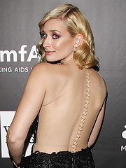 Beth Behrs Wallpapers and Background..