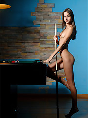 Anya Corner Pocket Free  Picture Set &..