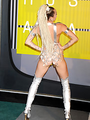 miley-cyrus-thong-ass-flash-half-naked-..