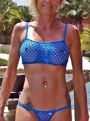 Swimsuit Edition BlacktoWhite - Amateur..