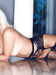 Playboy Cybergirl - Barbra Lee (Playboy..