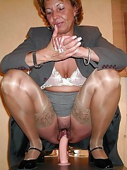 Dissolute mature gfs spreading their gams