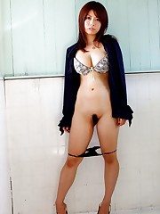 Busty japanese honey Aikawa Miu..