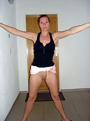 Showcasing Janine Super-hot naturist