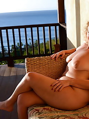 Matures and Grannies - Pics - xHamster