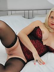 Luxurious Ash-blonde Mature - Images -..