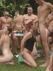 Outdoor fledgling swingers party -..