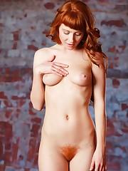 Bare redhead woman bush XXX pics