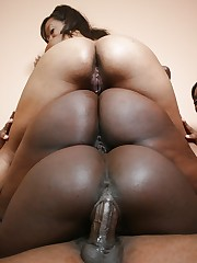 Black Rayne Falls has groupsex..