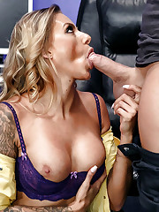 Latina pornstar Juelz providing big..