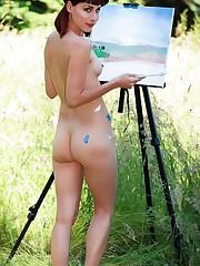 Cute nude chicks and beautiful body art