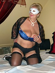 Spectacular mature ladies show their..