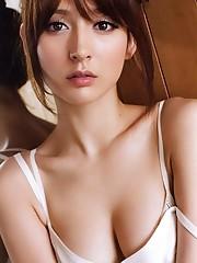Leah Dizon Japan