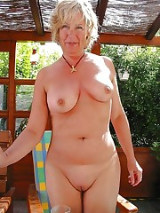 Old women and moms naked, Mature Ladies..