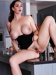 Buxom Alison bare in the Kitchen Eroce