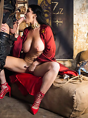 Romi Rain - Queen Of Thrones Part 2 A..